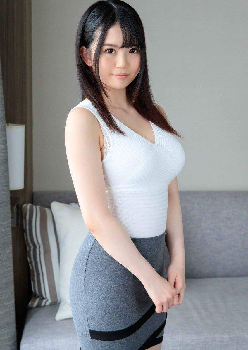 Sying: asian girl
