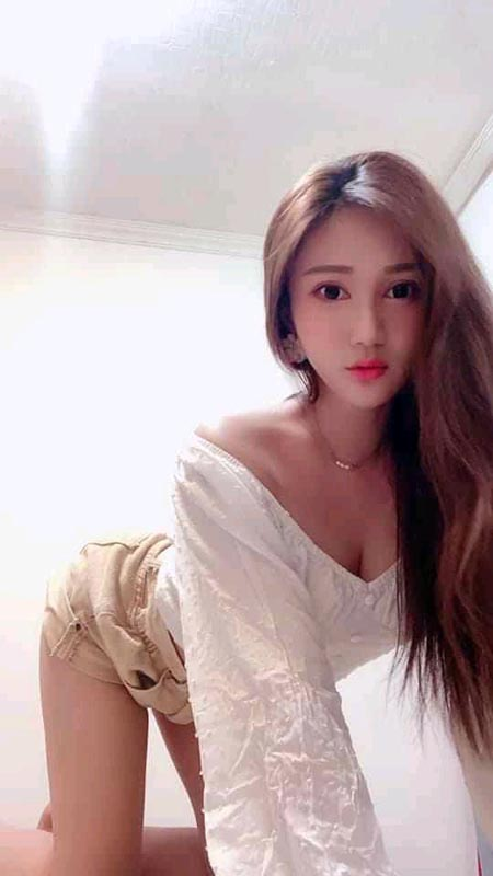 Zheng: Chat with her